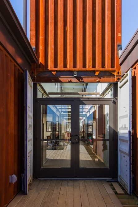 Smoky Park Supper Club - Restaurant Built from Shipping Containers 3