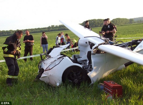 Aeromobil flying car3