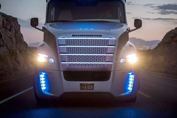 Autonomous Freightliner Inspiration truck 6