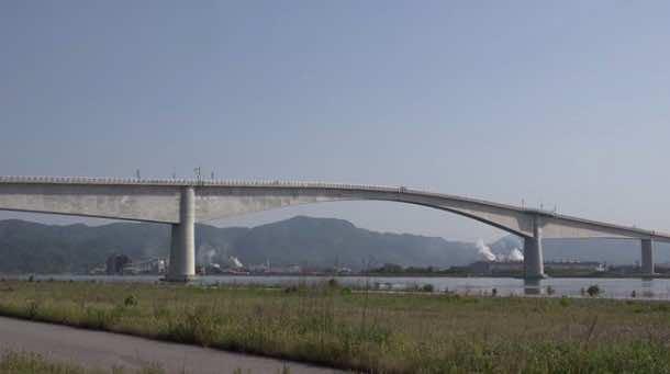 Dangerous bridge Japan3