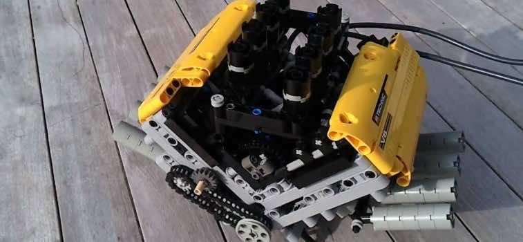 Working LEGO V8 pneumatic Engine