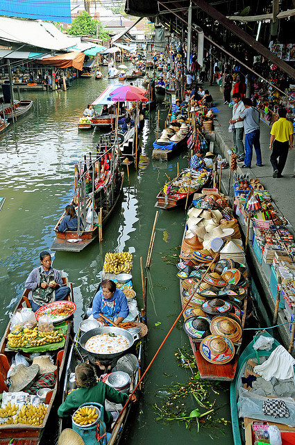 You'll Need A Bag And A Boat For This Market In Thailand 12