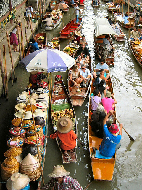 You'll Need A Bag And A Boat For This Market In Thailand 2