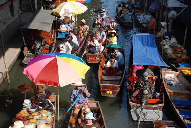 You'll Need A Bag And A Boat For This Market In Thailand 3