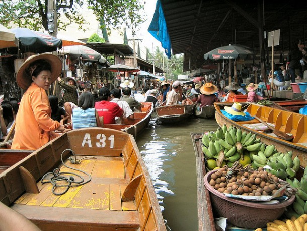 You'll Need A Bag And A Boat For This Market In Thailand 8