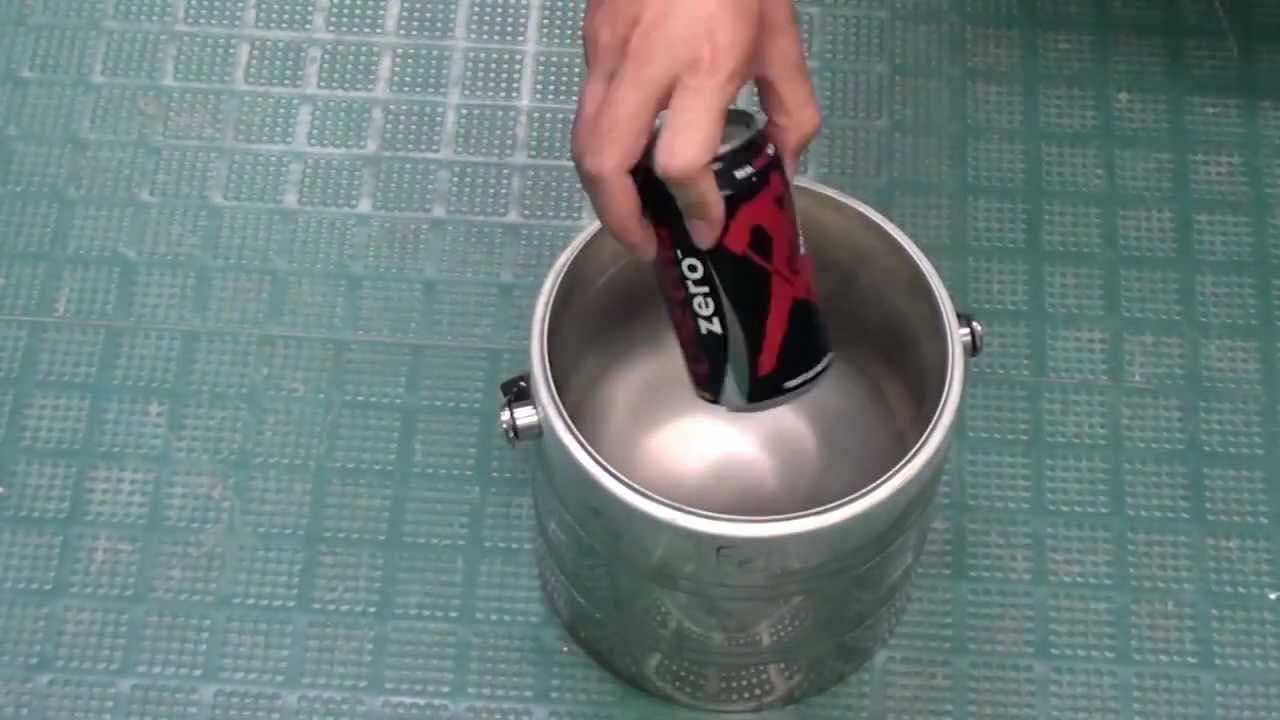Coke Can In Liquid Nitrogen