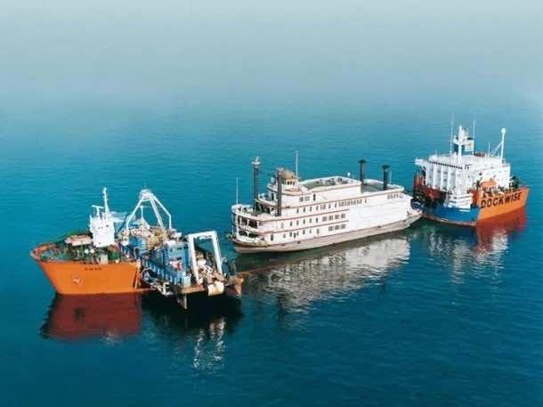 Heavy Lift ships19