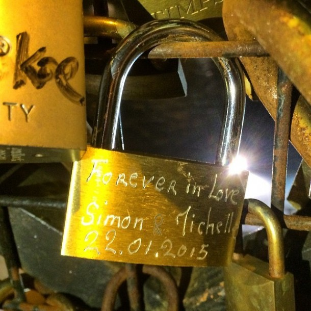 Lover Locks Pont des Arts bridge3