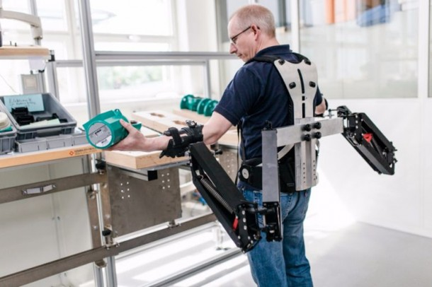 Robo-mate Exoskeleton Makes 10Kg Feel Like 1Kg