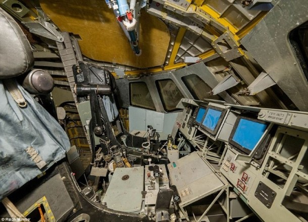 Russian abandoned shuttle hanger11