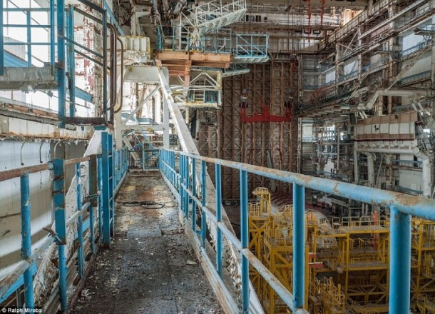 Russian abandoned shuttle hanger15