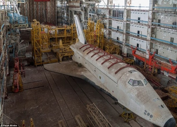 Russian abandoned shuttle hanger16