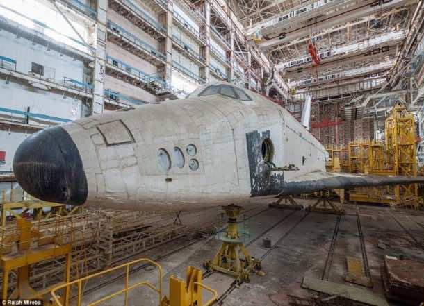 Russian abandoned shuttle hanger3