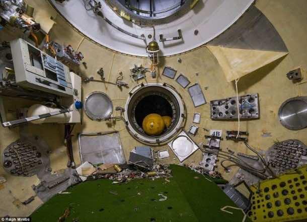Russian abandoned shuttle hanger4