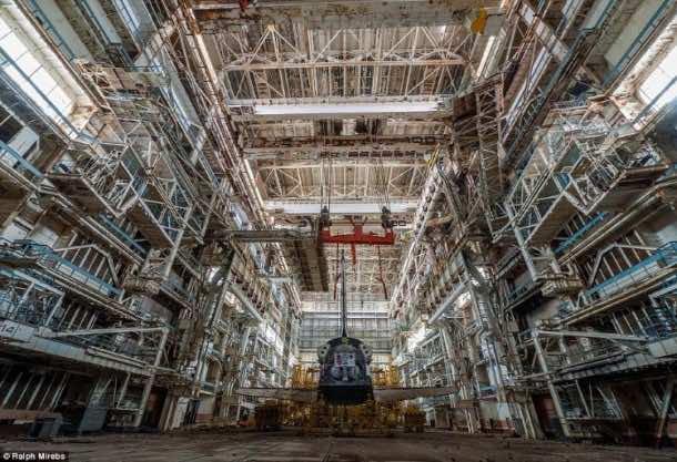 Russian abandoned shuttle hanger5