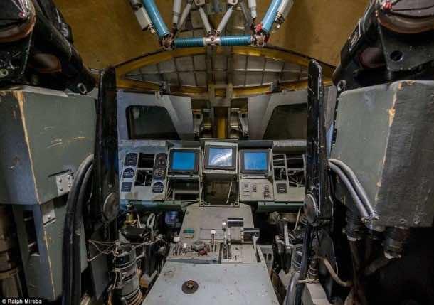 Russian abandoned shuttle hanger9