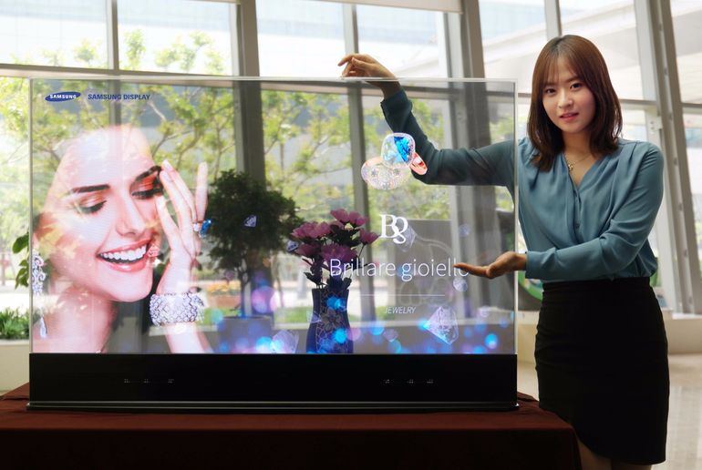 Samsung Unveils Mirror and Transparent OLED Panels