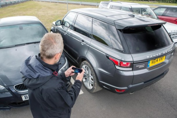 This Jaguar Range Rover Can Be Driven Using Smartphone App 5