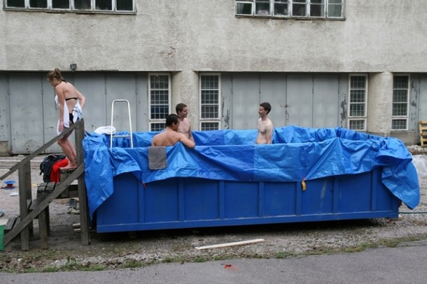 20 Temporary Swimming Pools For You To Consider 10