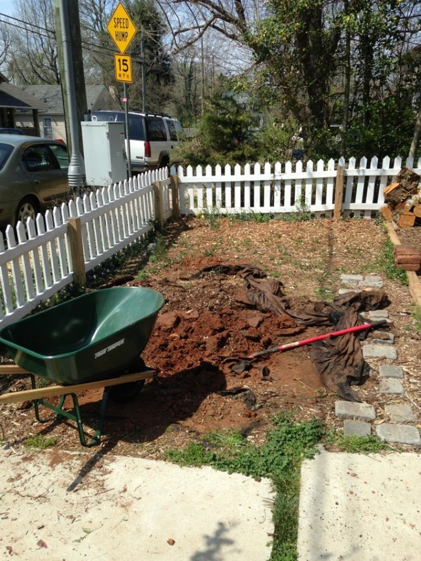Learn How To Make An Inexpensive Pond For Your Front Yard 2