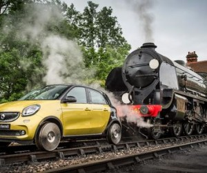 Mercedes smart train