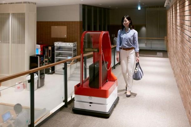 Strange Hotel In Japan Has Robotic Staff 3