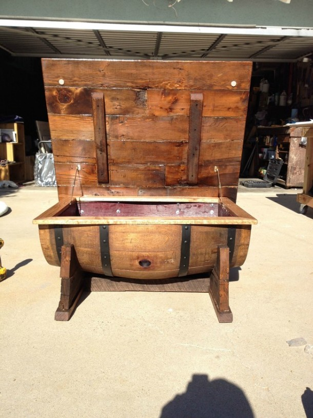 Wine barrel-table2