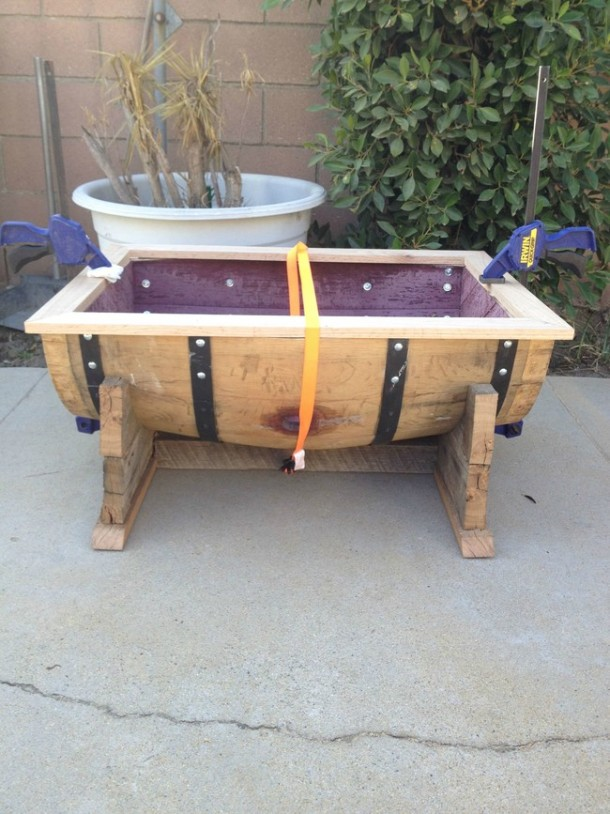 Wine barrel-table6