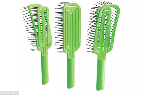 Maze Hairbrush Makes Cleaning A Process of Seconds