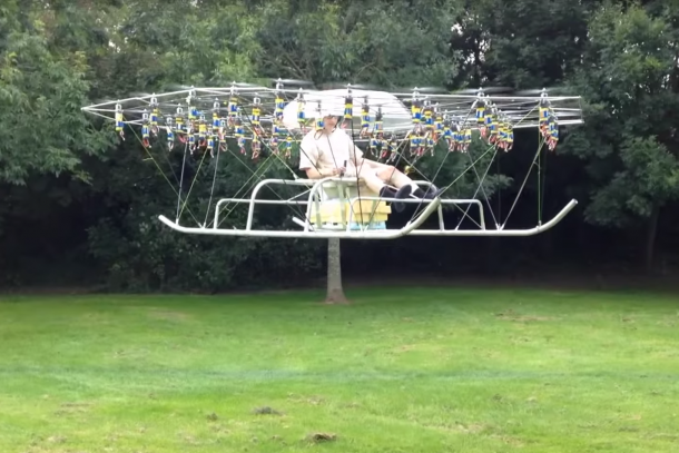 Personal Helicopter Created Using 54 Drones3