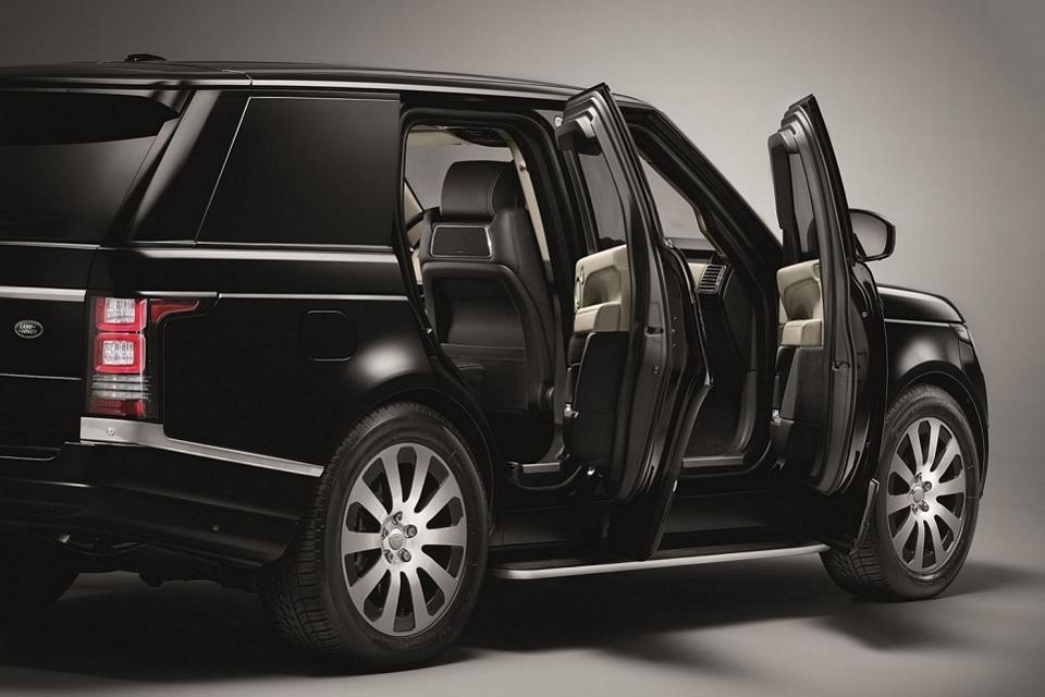 Range Rover Sentinel Can Survive A 33-Pound TNT Blast 2