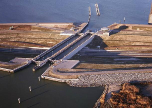 World's 10 Most Amazing Water Bridges 2
