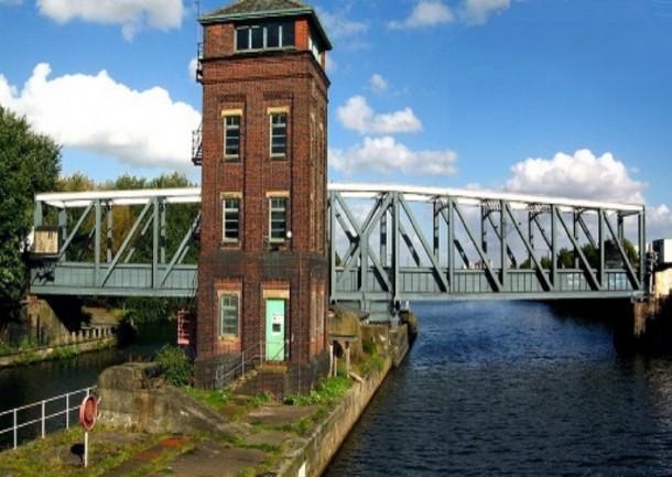 World's 10 Most Amazing Water Bridges 6