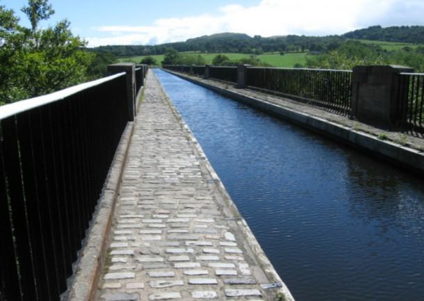 World's 10 Most Amazing Water Bridges 7