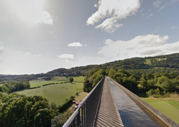World's 10 Most Amazing Water Bridges 8