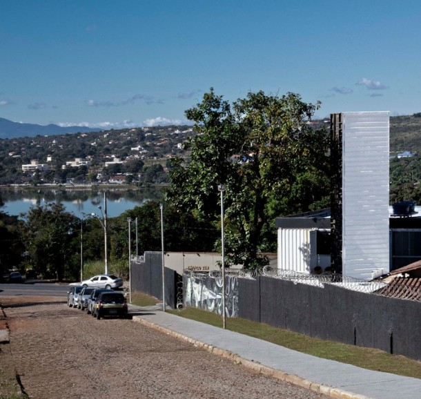 World's Biggest Periscope Created From Shipping Container