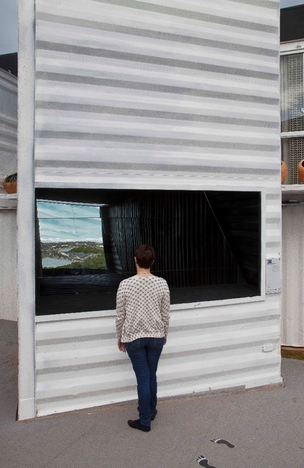 World's Biggest Periscope Created From Shipping Container 9