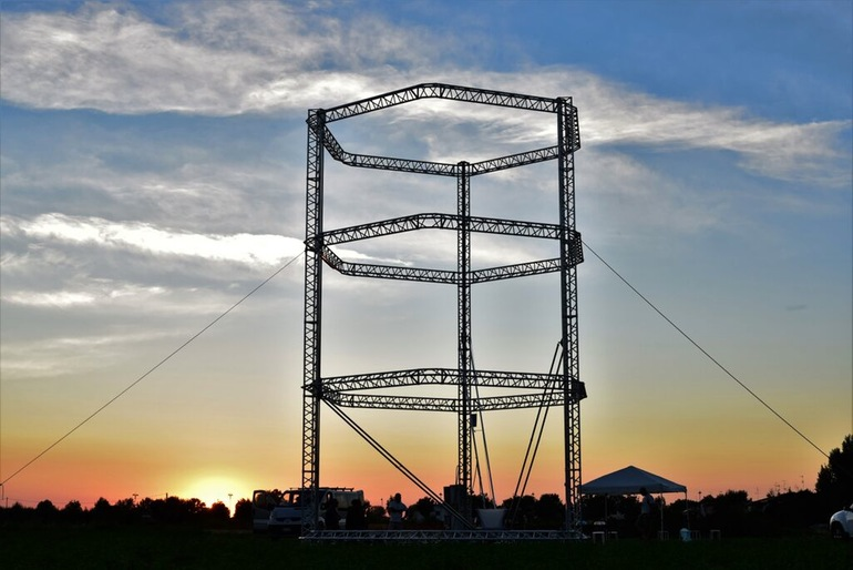 This Is The World's Largest 3D Printer And It Will Build Complete Houses With 3D Printing