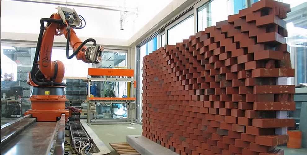 brick-robot-990x500