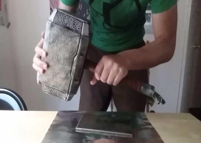 Allen pan Thor's hammer