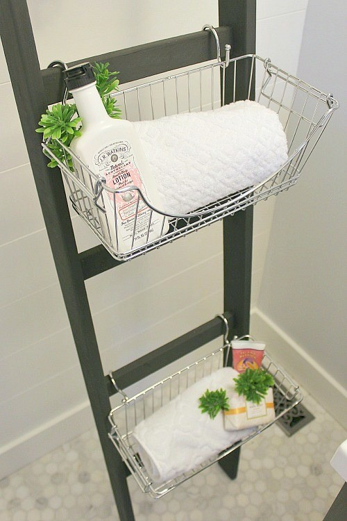 Here Are 21 Ways You Can Use That Old Ladder Of Yours 4