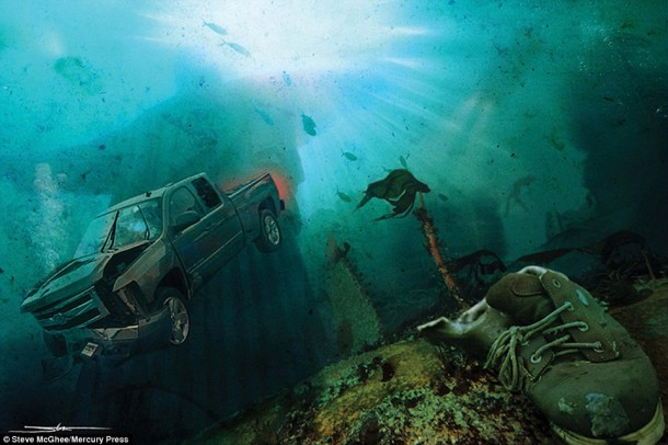 Artist Creates End of World Images 14