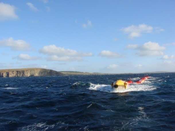 Pelamis Wave Energy Converter Creates Energy From Ocean Waves 2