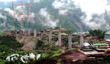 World's Tallest Arch Bridge Is Being Built In India 2