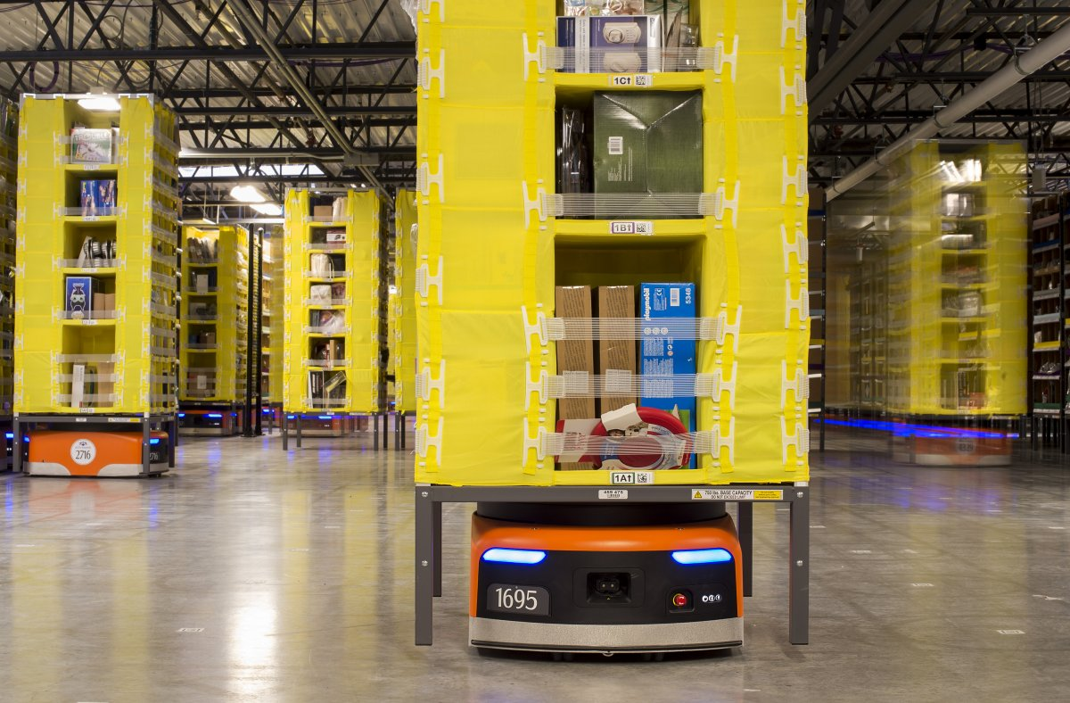A Sneak Peak into Amazon's Warehouse Shows How Robots are Taking Over