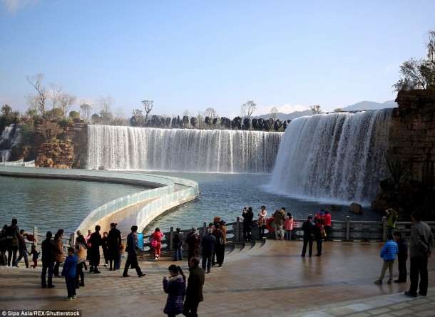 China Unveils The Latest Artificial Waterfall 2