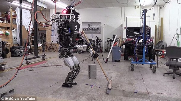 Ian The Atlas Robot Can Now Help You With Home Chores 2