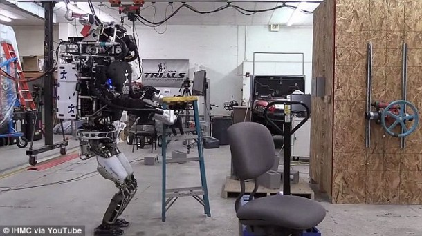 Ian The Atlas Robot Can Now Help You With Home Chores 3