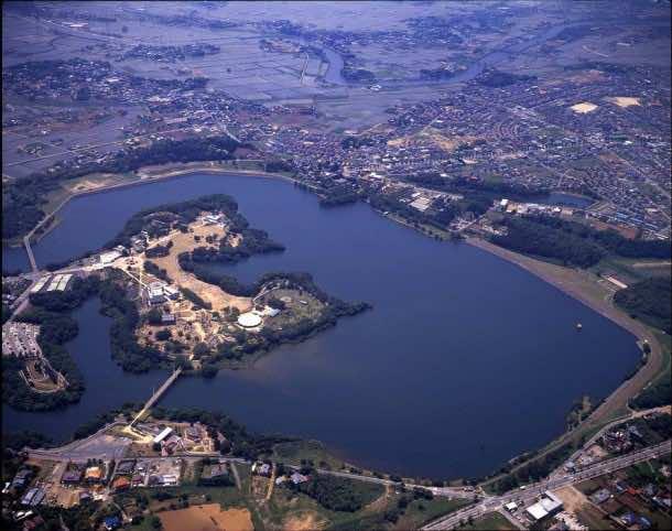 Japan Is Building Largest Floating Solar Power Plant 2