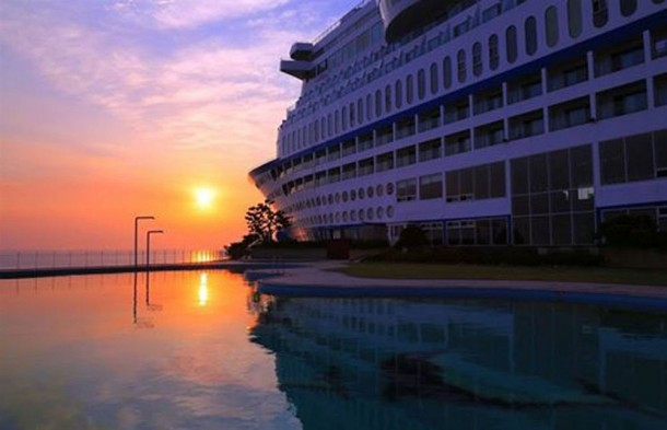 Sun Cruise Resort & Yacht In South Korea Is Amazing 7